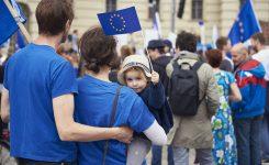 """Festa Europa, Bonaccini al lancio Conferenza futuro Europa: """"mettiamo i cittadini al centro del progetto"""""""